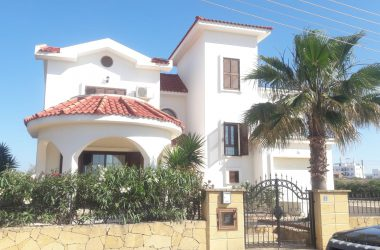 Villa For Sale In Iskele With Pool 0