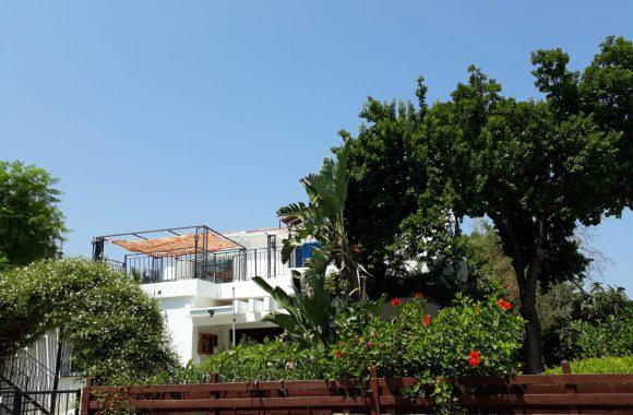 For Sale In Kyrenia With Garden 0
