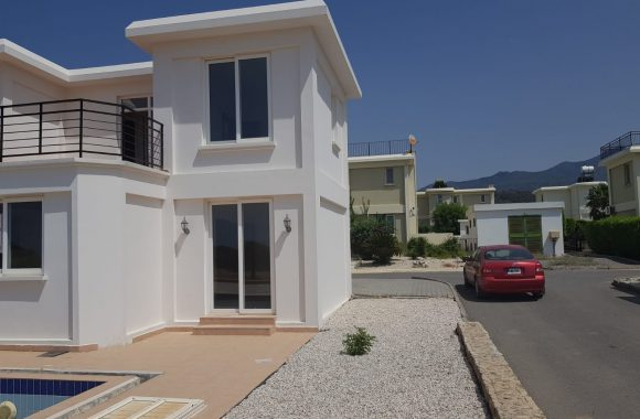 Villa For Sale In Kyrenia With Pool 0