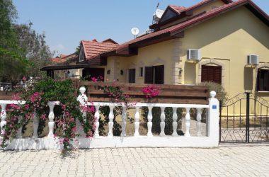 İskele Satılık Bahçeli Villa 0